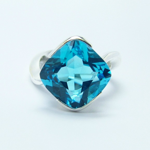 electric_blue_topaz_12mm_x_12mm_silver_cocktail_ring_1