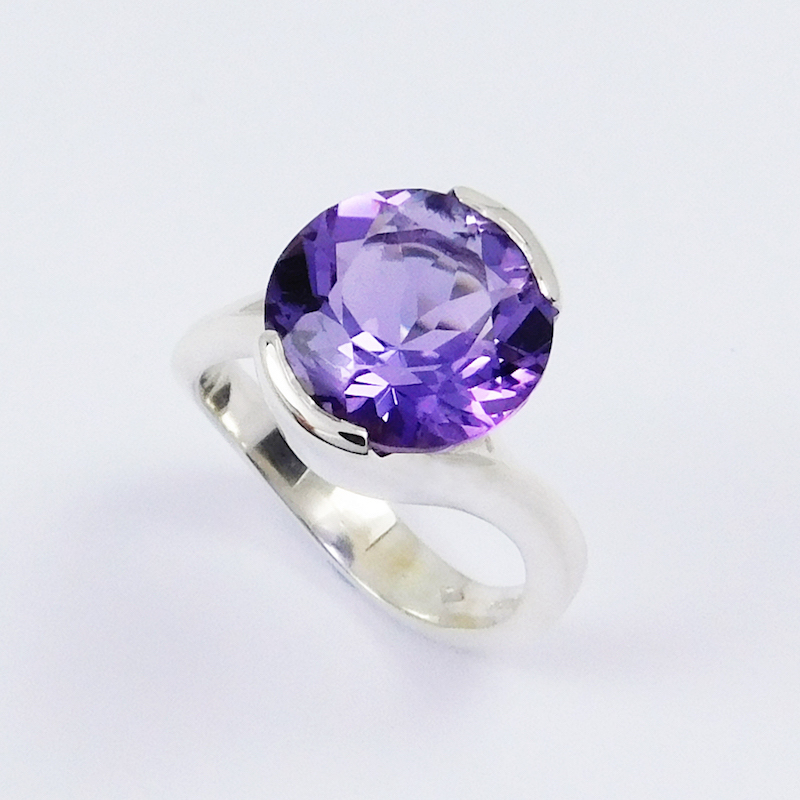 round_amethyst_cocktail_ring_in_silver_crop