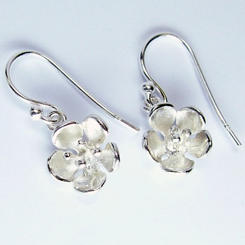 small_hawthorn_drop_earrings_crop
